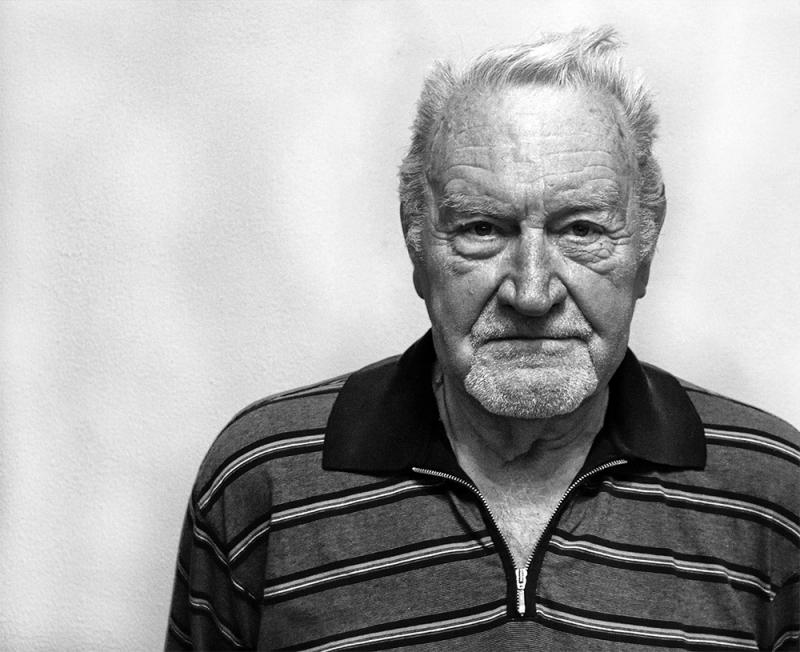 Black and white portrait of the elderly man Vernard